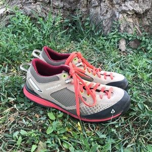 VASQUE size 10 Grand Traverse hiking shoes